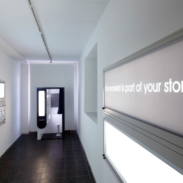 Ausstellungsansicht Seven Billion Stories 2010